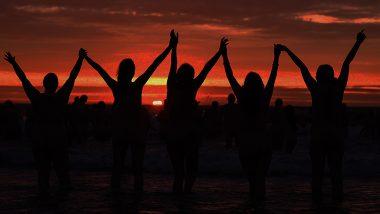 2500 Women Strip to Take Dip in Irish Sea, Creates New Guinness World Record