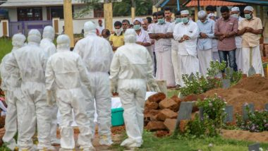 Nipah Virus Victim's Family Stayed Away from the Dead Body While Doctor Performs Last Rites Without Fearing Contraction