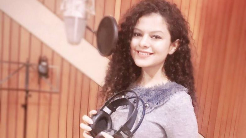 Palak Muchhal's Fan Arrested for Stalking and Harassing: Professor Travelled all the Way from Bihar To Woo the Singer