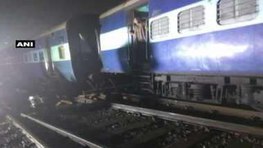 Kolkata: 2 Coaches of Kalka Mail Derail While Entering Howrah Station, South Eastern Railway's Train Movement Disrupted