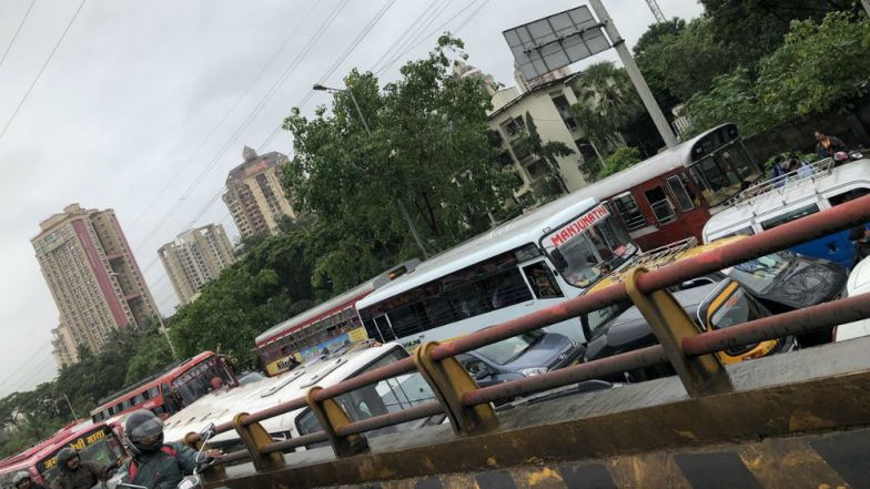 Mumbai Traffic Update: Massive Traffic Jam at Western Express Highway Due to the Metro Crane Break Down at Pushpa Park in Malad