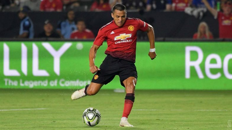 Sanchez strikes as United edge Milan
