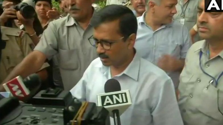 Delhi CM Arvind Kejriwal Slams Modi Government, Congress on Jio Institute Row