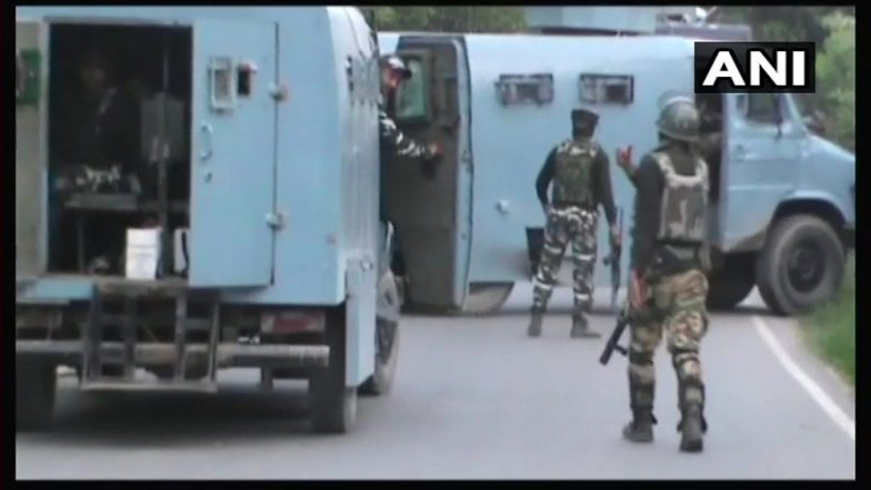 Jammu and Kashmir: Encounter Breaks Out in Kundalan Area of Shopian; 5-6 Terrorists Trapped, Two Indian Army Soldiers Injured