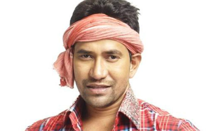 Dinesh Lal Yadav aka Nirahua of BJP Loses From Azamgarh Seat in Lok Sabha Elections 2019 Against Akhilesh Yadav