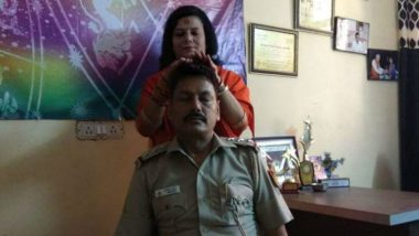 Janakpuri SHO Transferred After Photo of Him Getting 'Healing' Head Massage From Godwoman Goes Viral