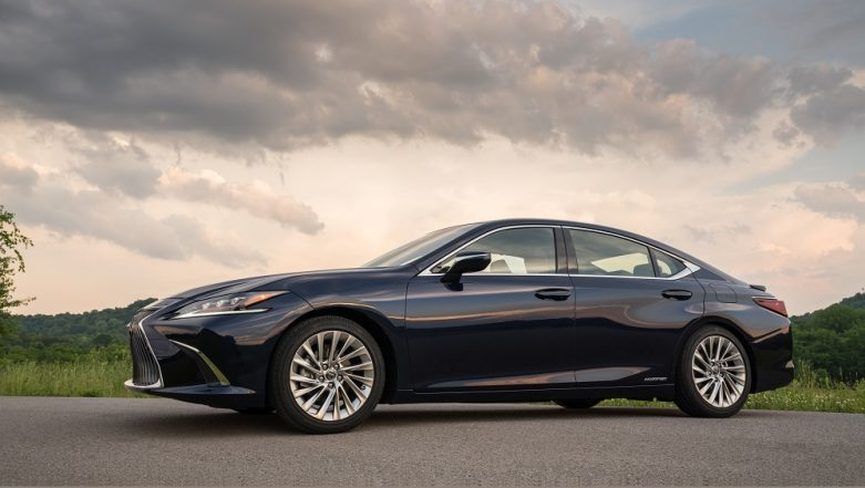 2018 Lexus ES 300h Launched in India, Priced at Rs. 59.13 Lakh