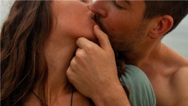 International Kissing Day 2021: Health Benefits of Kissing Including Weight Loss and Long Life Will Leave You Pleasantly Surprised