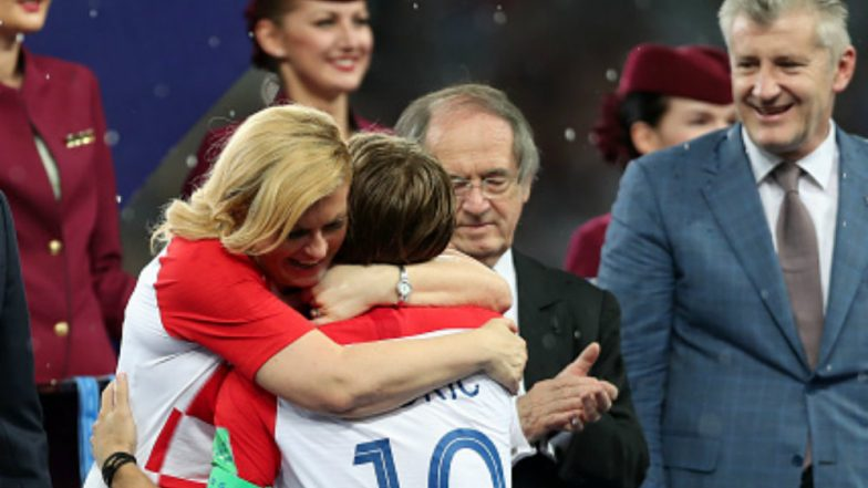 Croatian President Kolinda Grabar-Kitarovic Hugging Players After France vs Croatia 2018 World Cup Final Wins Internet: View Pics