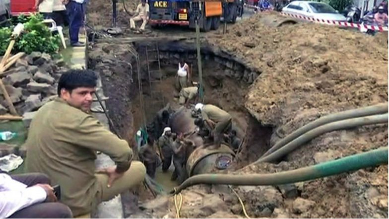 Parel Flyover in Central Mumbai Closed Due to Repair Work of Burst Water Pipeline