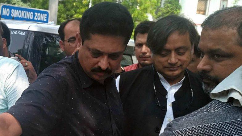 Shashi Tharoor 'Hindu Pakistan' Remark: On Back Foot, Congress Asks Cadres to Choose Words Carefully in Targeting BJP