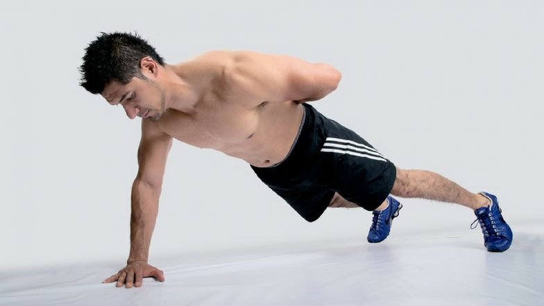 5 Variations of the Plank to Help You Achieve Your #FitnessGoals!