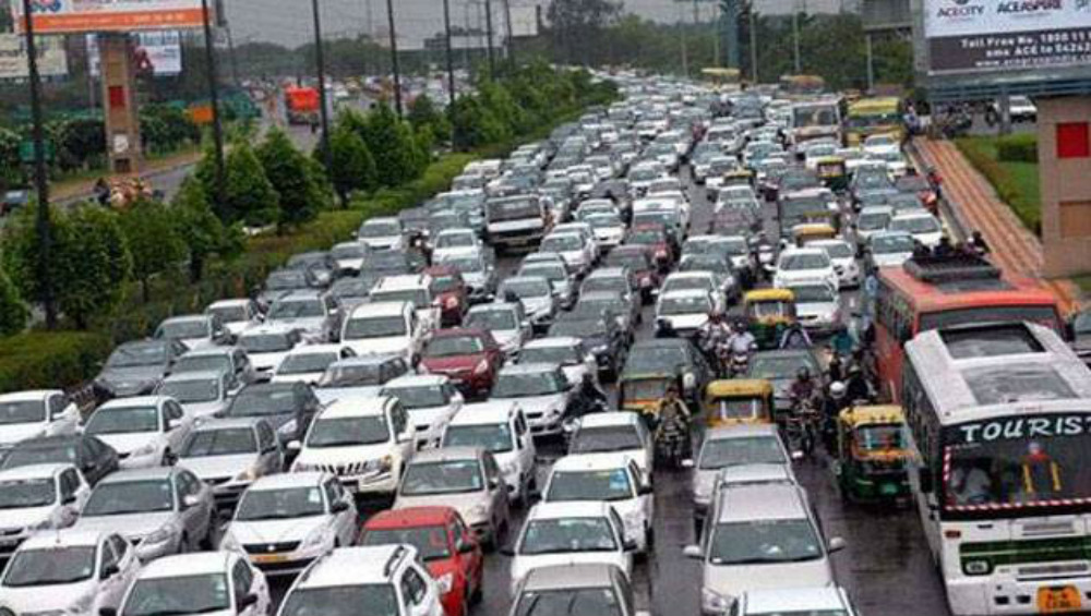 Auto Sector Crisis: India's Passenger Vehicle Sales Drop 24% in September, Eleventh Straight Month of Decline