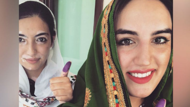 Pakistan Elections 2018: Benazir Bhutto's Daughters Bakhtawar and Aseefa Cast Votes in Sindh's Nawabshah; See Pictures