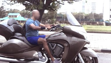 Man Seen Riding a Batman-like Bike on Mumbai's Marine Drive Without Helmet; IAS Officer Alerts Mumbai Police