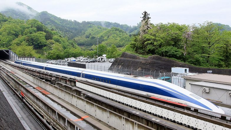 Japan Bullet Train Staff Made to Sit by Tracks as Part of Safety Training