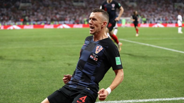 2018 FIFA World Cup Video Diaries: Croatian Fans Wave a Huge Flag to Thank Russia