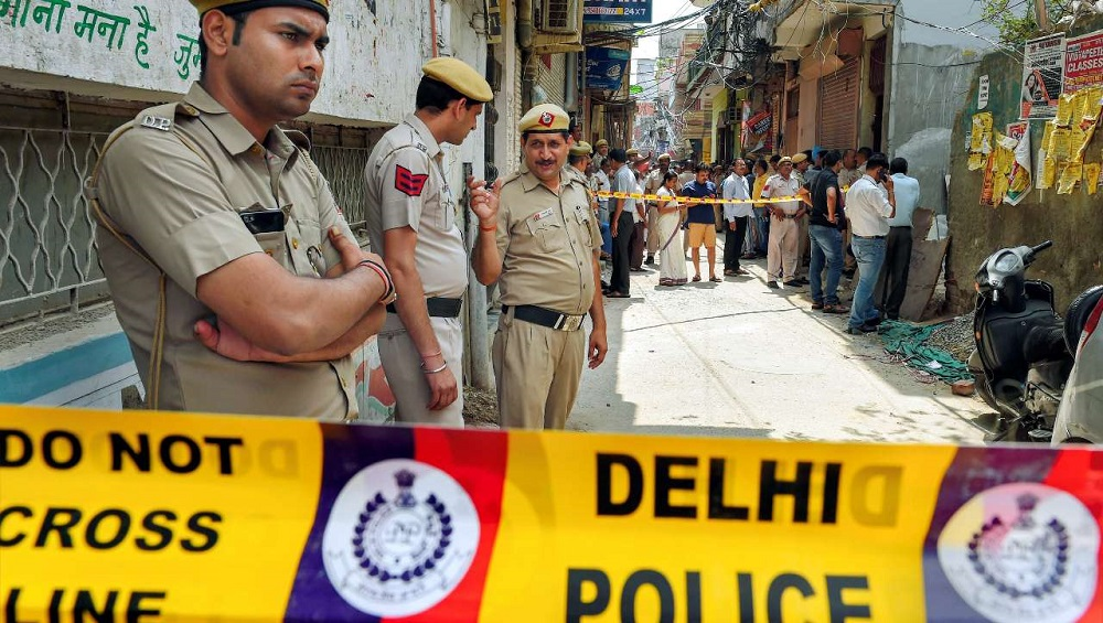 Delhi Police Recover Decomposed Bodies of Couple, 3 Children From Bhajanpura Home; Suicide Suspected