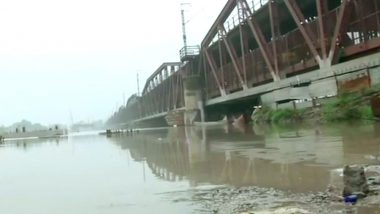 Delhi Flood Alert: Rail Traffic Restored on Loha Pul After Water Level in Yamuna Found Safe For Train Passage