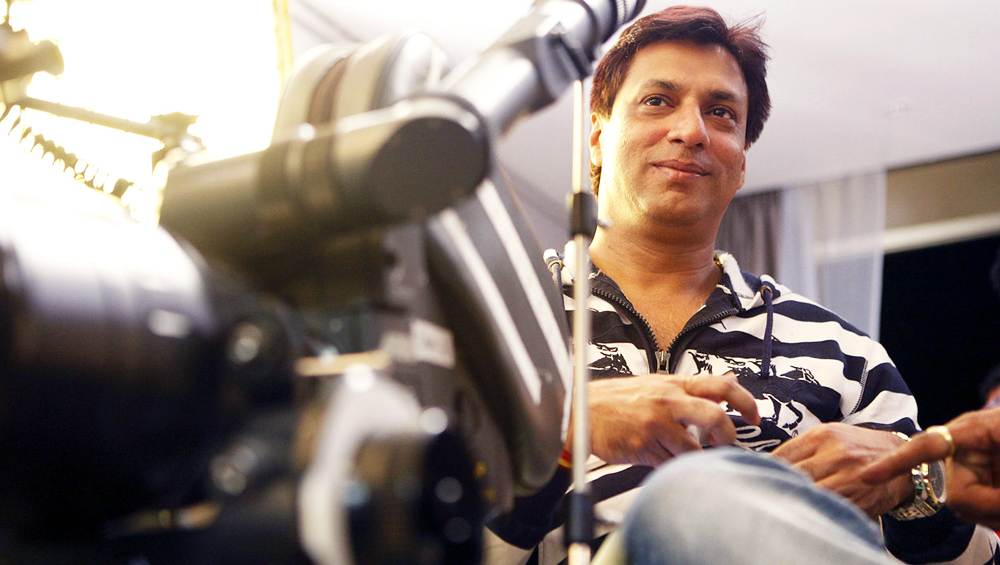 Lata Mangeshkar Health Update: Madhur Bhandarkar Visits  Veteran Singer in Hospital, Says She is 'Stable'