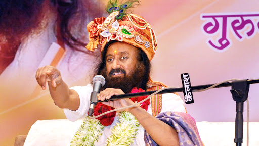 Sri Sri Ravi Shankar Asks 2018 Amarnath Yatra Pilgrims to Postpone Pilgrimage Till Next Year