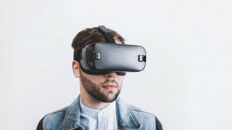 Virtual Reality Can Help You Beat Fear of Heights: 5 Uses of VR in Medicine You Didn't Know About