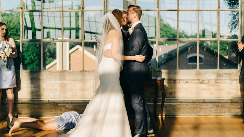 Bridesmaid Fainted the Moment Married Couple Leans to Kiss! Twitterati Calls It the Best Wedding Throwback Ever