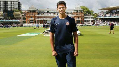 T20 Mumbai League: Sachin Tendulkar's Son Arjun Tendulkar Picked for Rs 5 Lakh by Aakash Tigers Mumbai Western Suburb