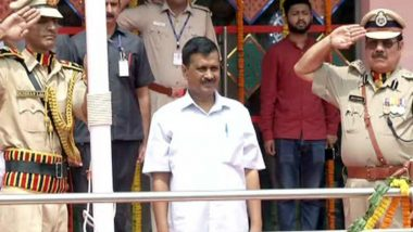 Independence Day 2018: Delhi CM Arvind Kejriwal Sings 'Hum Honge Kamyab' at Event in Chhatrasal Stadium