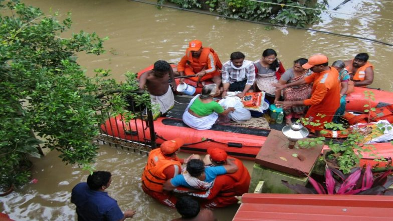 Kerala Floods: Three More NDRF Teams Rushed From Pune; Coast Guards Save 10-Day-Old Infant East Kadangaloor