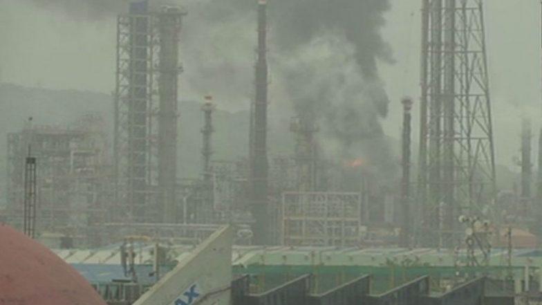 Mumbai: Massive Fire at Hydro Cracker Plant of BPCL Refinery in Chembur, 45 Injured