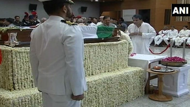 Atal Bihari Vajpayee Funeral: Pakistan Government, Leaders Pay Tribute to Former PM; Say He Contributed for 'A Change' in Bilateral Ties