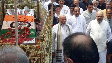 Narendra Modi Walks 4 kms to Reach Smriti Sthal! PM Takes Part in Atal Bihari Vajpayee's Funeral Procession