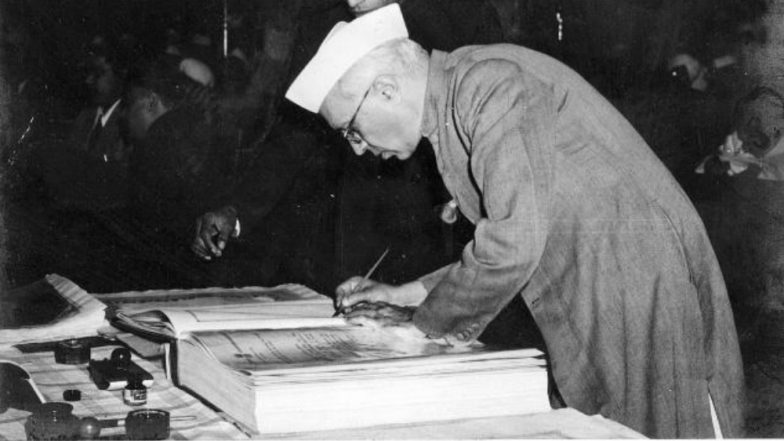Jawaharlal Nehru's Tryst With Destiny Speech: Watch Full Video & Audio of The Historic Independence Day Address by India's First Prime Minister