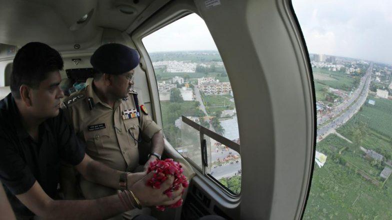 Kanwar Yatra: Rs 14 Lakh Spent by Uttar Pradesh Govt on Chopper Which Showered Rose Petals on Pilgrims