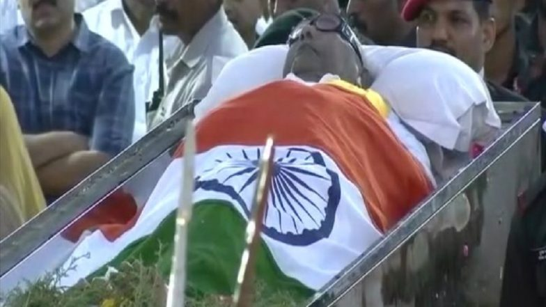 Kalaignar Karunanidhi Laid to Rest With Full State Honours at Marina Beach; 'Man Who Never Rested is Now Resting'