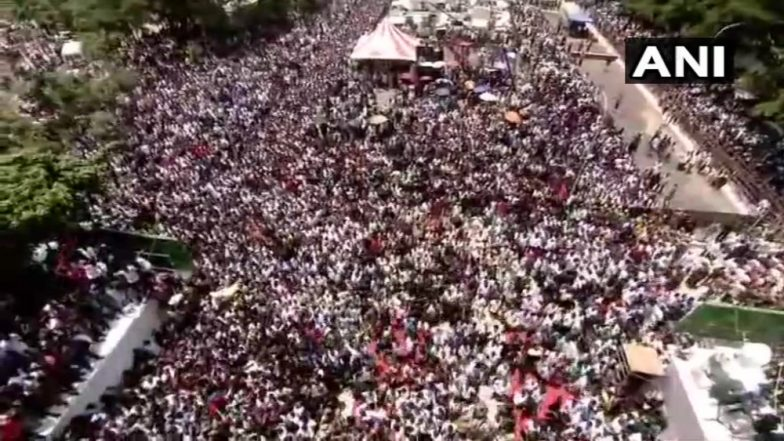 Sea of Humanity Gathers in Chennai to Mourn Karunanidhi's Death