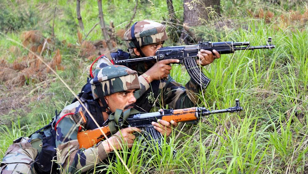 Jammu & Kashmir: 3 Militants of Hizbul Mujahideen and Jaish-e-Mohammed Killed in Pulwama Encounter