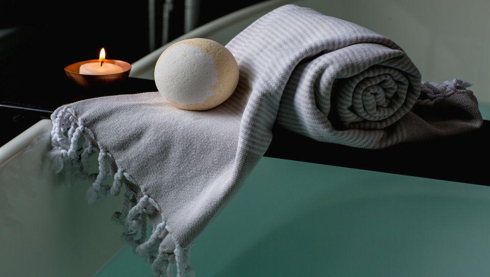 Epsom Salt Bath: 8 Benefits of Having a Detoxing Bath This