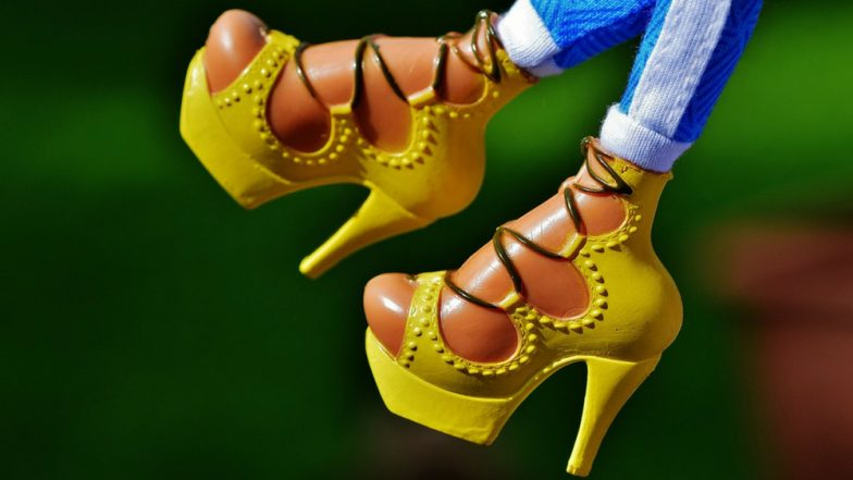 How To Walk In Heels: 5 Simple Tips to Keep in Mind While Wearing High Heeled Shoes