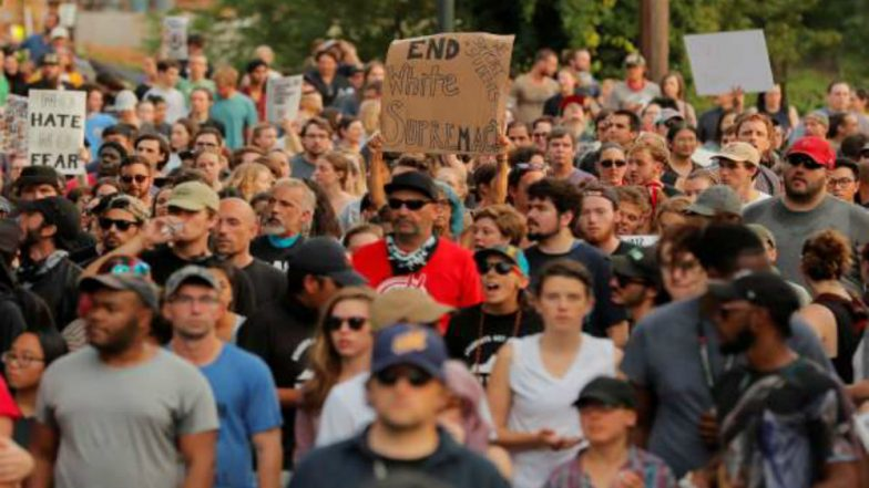 Hundreds Gather in US City to Oppose White Supremacy, Neo-Nazism on Charlottesville Anniversary