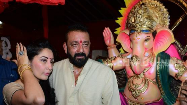 Ganesh Chaturthi 2018 Song Of The Day: Sanjay Dutt Seeking Bappa's Blessings With This Aarti Is What You Need to Kickstart Your Sunday Morning!