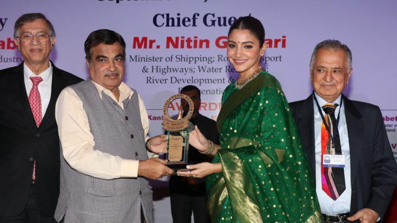Sui Dhaaga Star Anushka Sharma Redefines Elegance With Her Green Sari At Priyadarshini Awards! View Pic