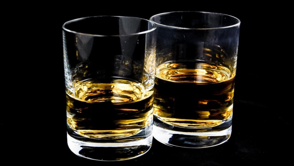 Andhra Pradesh: Alcohol Consumption Down by 48 Percent, Revenue Also Dips as Jagan Mohan Reddy Govt Moves Towards Liquor Prohibition