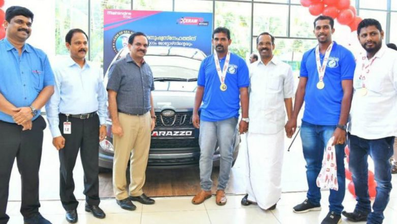 Sri Jaisal Awarded With Mahindra Marazzo for Offering Himself as a Footstep During Kerala Flood Relief Ops, See Pictures