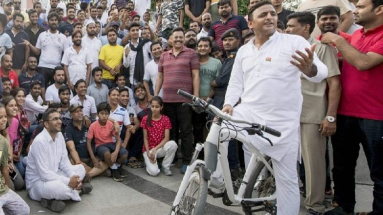 To Kickoff Samajwadi Party's 2019 Lok Sabha Poll Campaign, Akhilesh Yadav Will Cycle 50-km From Kannauj to Agra-Lucknow E-Way