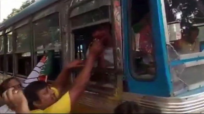 Bharat Bandh Today: BJP Workers Distribute Sweets Among Shopkeepers, Drivers in West Bengal Who Worked Despite Protest