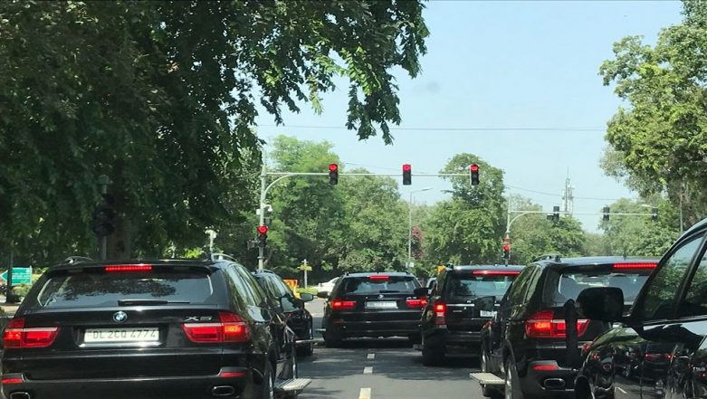 PM Narendra Modi's Cavalcade Enroute 'Swachhta Hi Seva' Event Gets Stuck in Delhi Traffic Jam