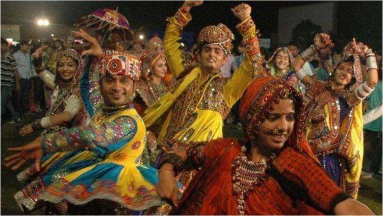 Navratri 2018: Different Types of Garba, Dandiya & Step by Step Dance Tutorials (Watch Videos)