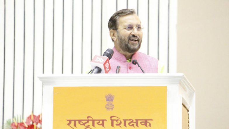 Hindi to be Made Compulsory Till Class 8? No Such Recommendation, Says HRD Minister Prakash Javadekar